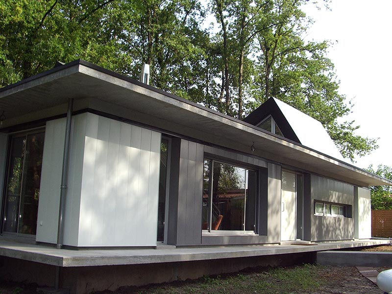 maison bardage acier burke gilman house par paul michael davis design usa duinfos with maison. Black Bedroom Furniture Sets. Home Design Ideas